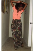 peach Forever21 t-shirt - thrifed pants - Payless wedges