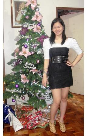 black Cosmopolitan dress - black The Ramp belt - brown Trunkshow shoes - silver