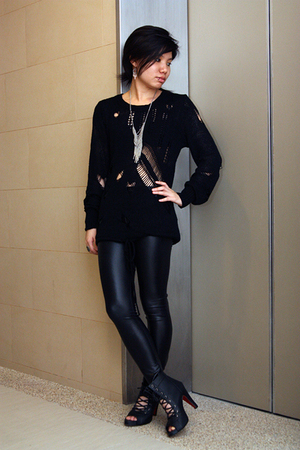 SchwingSchwingcom sweater - leggings - boots - Forever21 necklace