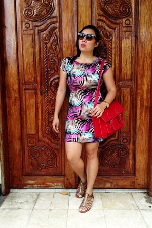 red Cole Vintage bag - Forever 21 dress - Forever 21 sunglasses