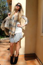 Beige-neverful-louis-vuitton-bag-black-jimmy-choo-boots