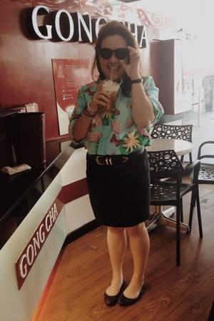 sky blue shirt - black sunglasses - black bandage skirt skirt
