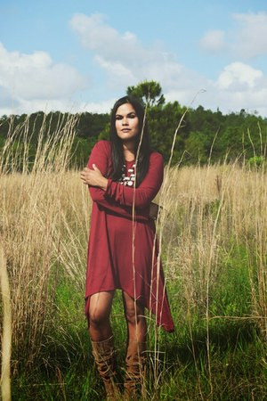 crimson Gypsan dress - cream Victory Jewelry necklace
