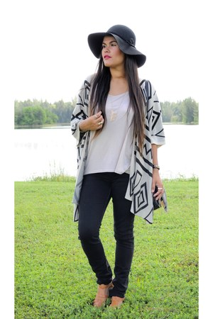 black OASAP cardigan - brown chicnova sandals - cream Forever 21 top