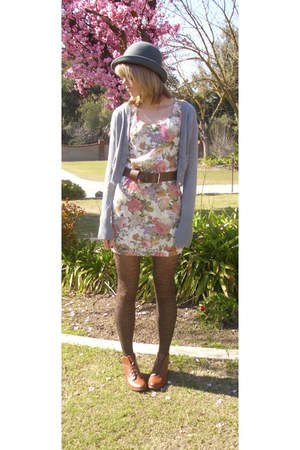 brown leather Urban Outfitters boots - Forever 21 dress - heather gray Forever 2