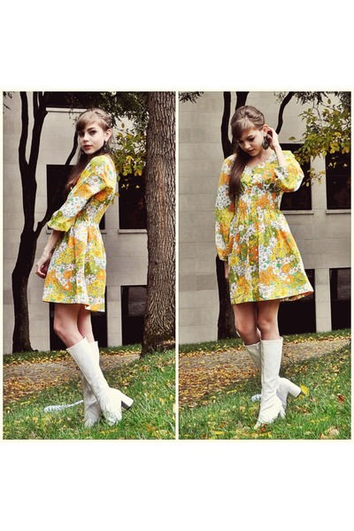 go boots Vintage go