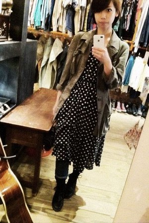 army green coat - navy dress - blue jeans - black shoes