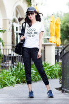 Sheinside t-shirt - New Balance sneakers