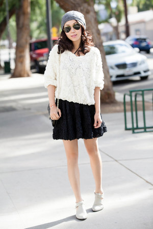 Senso boots - American Apparel sweater - Ray Ban sunglasses - Chicwish skirt