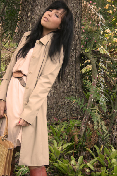 beige vintage coat - brown vintage boots - pink Ladakh dress - beige vintage bag