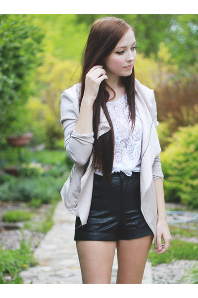 black Forever 21 shorts - white awwdore top