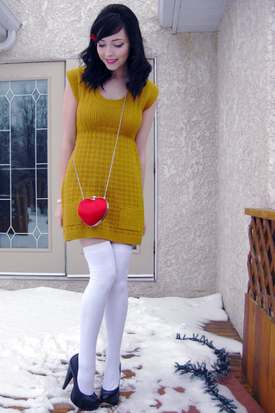 red Costa Blanca bag - yellow Buckle dress