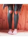 Dark-green-flattery-leggings