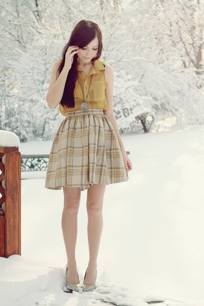 tan Flattery skirt - mustard romwe top - beige poor sparrow necklace