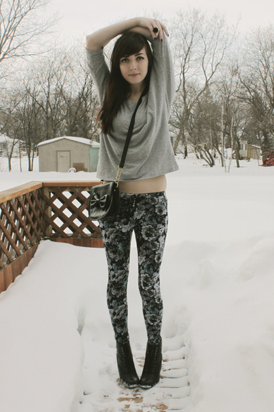 black Spring boots - silver Forever 21 leggings - black Forever 21 bag - heather