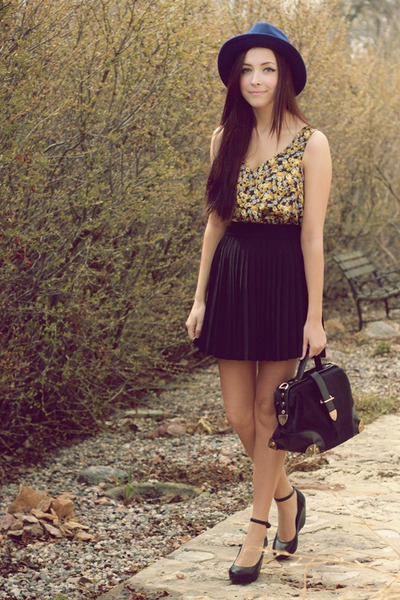 navy Forever 21 hat - black romwe bag - black ClubCouture skirt