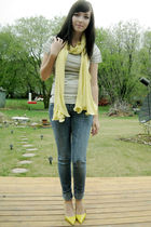 yellow le chateau scarf - yellow Aldo Shoes shoes - gray Joe Fresh t-shirt
