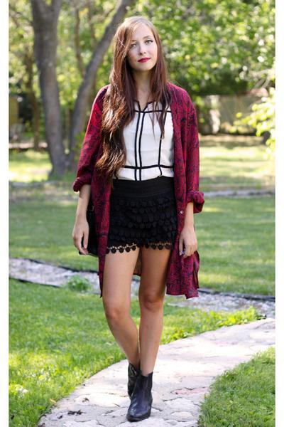 black Chicwish skirt - white awwdore top