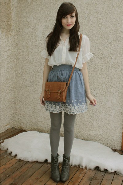 ivory Sirens blouse - gray Forever 21 boots - brown Forever 21 bag