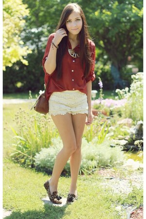 gold LuLus necklace - ivory Chicwish shorts - dark brown LuLus loafers