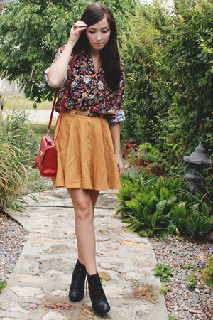mustard Forever21 skirt - ruby red Aldo purse