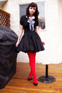 Red-tights-black-modcloth-skirt