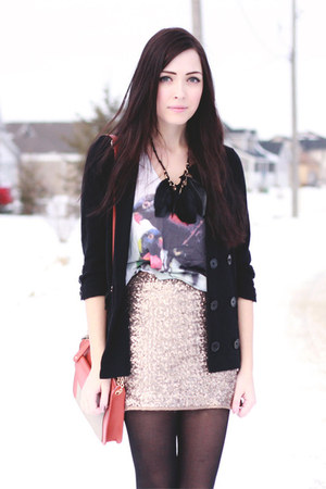 charcoal gray your eyes lie top - salmon LuLus bag - gold windsor skirt
