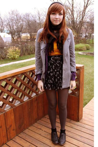 black Spring shoes - black Forever 21 skirt - gray urban behavior blazer - gold