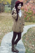 romwe sweater - LuLus boots - Forever 21 hat - Flattery leggings