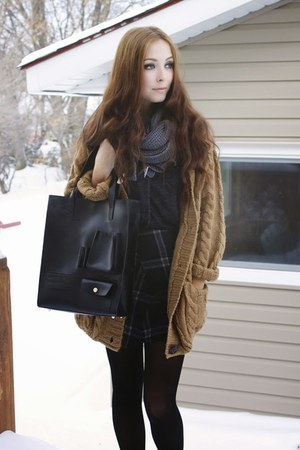 light brown romwe sweater - black yubsshop bag - charcoal gray Awwore skirt
