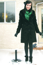 green le chateau scarf - black moms jacket - black Old Navy sweater