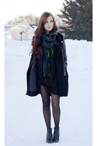 blue Chicwish scarf - black romwe jacket