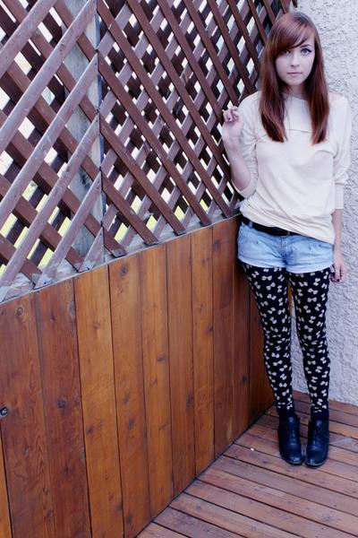 black Spring shoes - white top - blue urban behavior shorts