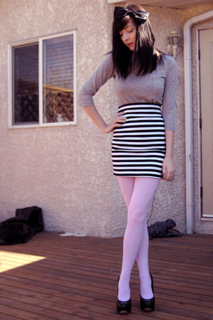 black Sirens skirt - pink wwwwelovecolorscom tights - gray Joe Fresh top - black