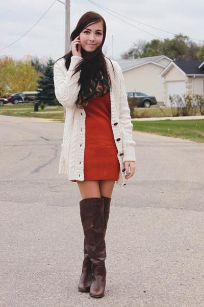 dark brown Spring boots - burnt orange girlfriends material dress