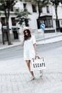 White-bag-bag