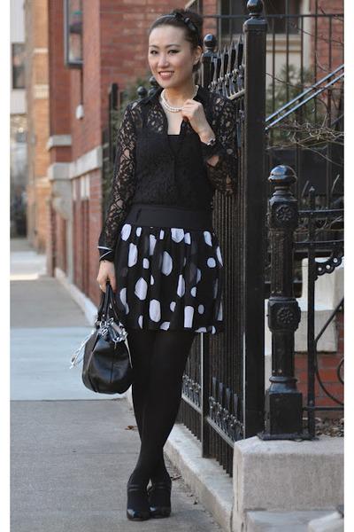 black coach bag - white DLR Boutique sunglasses - black Zara blouse