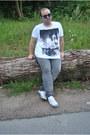 Heather-gray-cotton-c-a-jeans-white-cotton-c-a-shirt