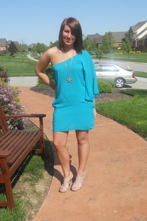 turquoise blue dress - light pink Steve Madden heels
