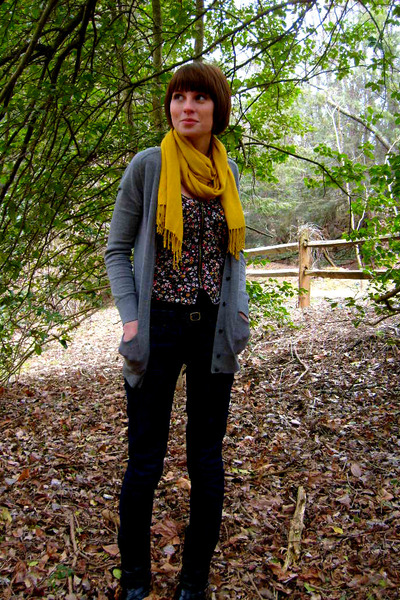gray JCrew cardigan - gold Urban Outfitters scarf - black Urban Outfitters top -