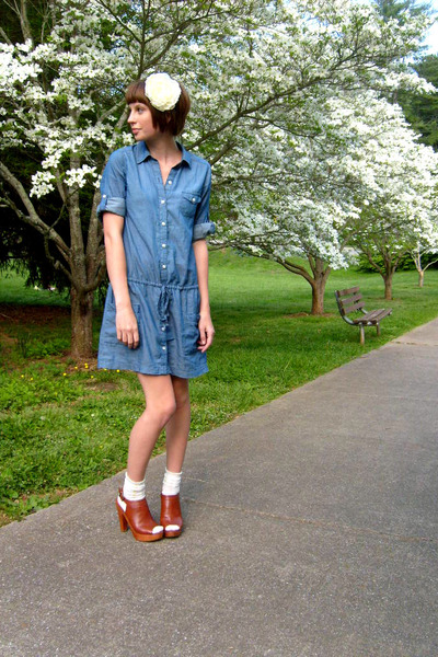 white Forever 21 accessories - blue Old Navy dress - white Urban Outfitters sock
