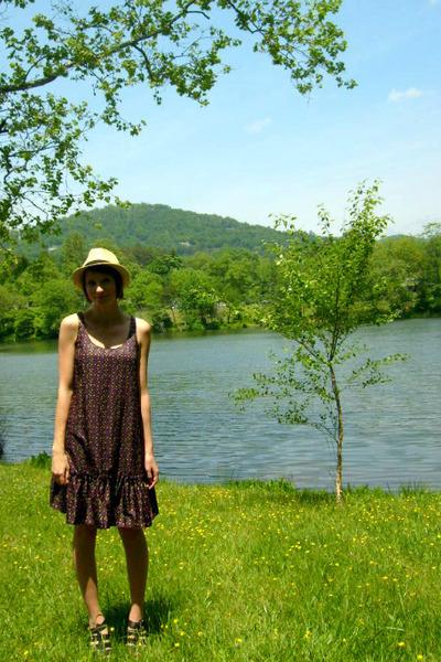 gold Charlotte Russe hat - black GO International thrfited dress - black Cynthia
