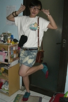 t-shirt - purse - - shorts