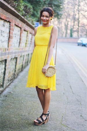 yellow chiffon Topshop dress - straw circle Primark bag