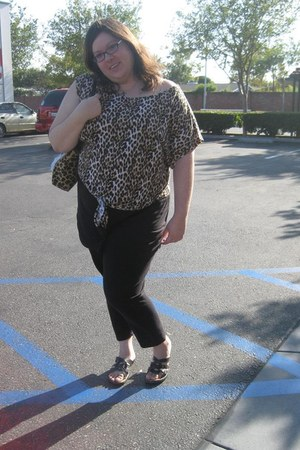 leopard print xhilaration top - black torrid leggings