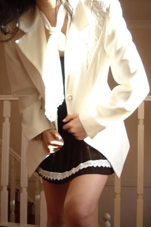 Mums vintage blazer - Mums vintage scarf - skirt -