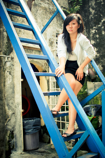 black rubi shoes - black unknown brand skirt - beige Nichii top - blue cotton on