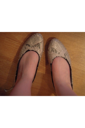 Me wearing them.