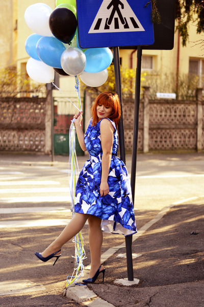 blue Chi Chi dress - navy Zara heels