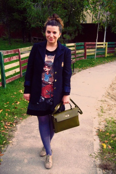 navy blazer - silver shoes - heather gray tights - dark khaki bag